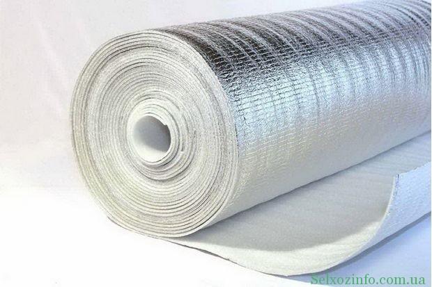 Полиэтилен - хороший утеплительный материал
